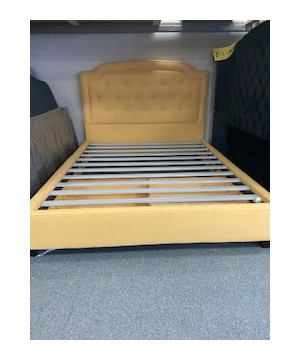 Bronwood yellow Queen size bed